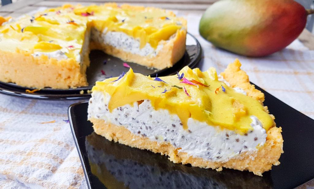 Mango-Kokos-Torte mit Polentaboden