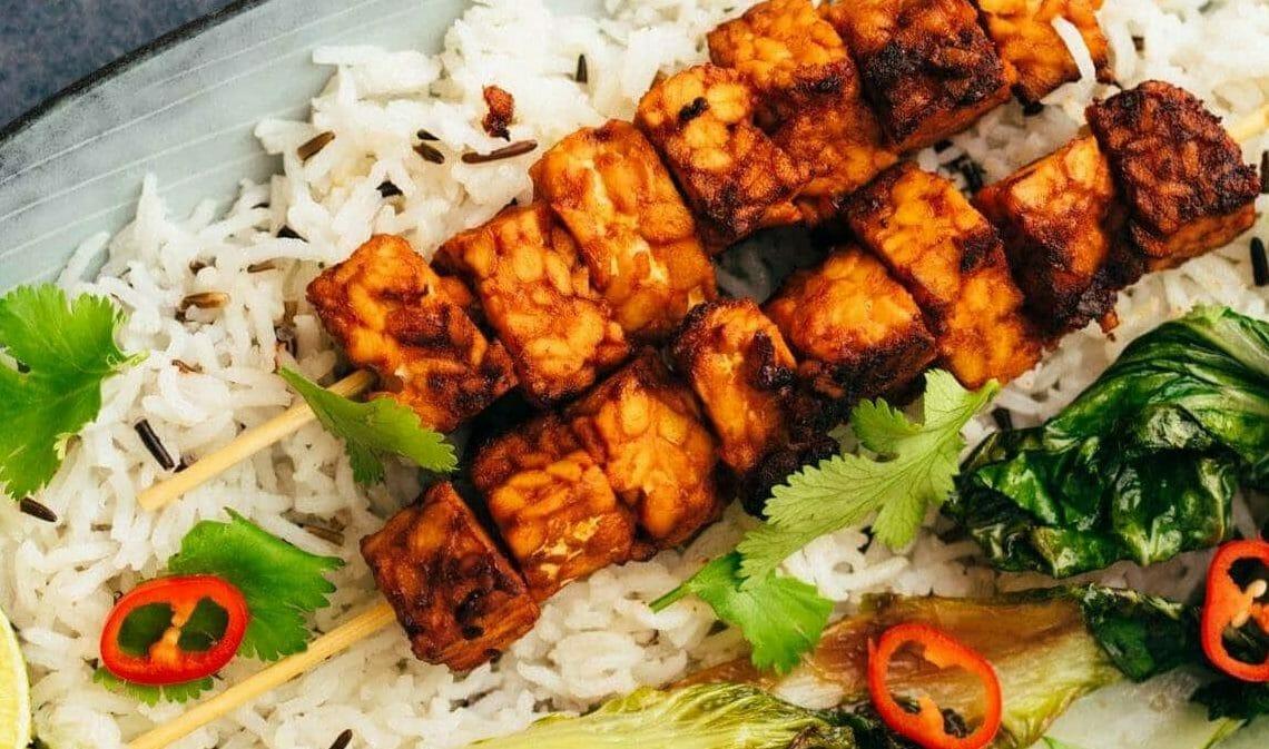10 Lebensmittel die du als Veganer*in (neu) kennen lernst