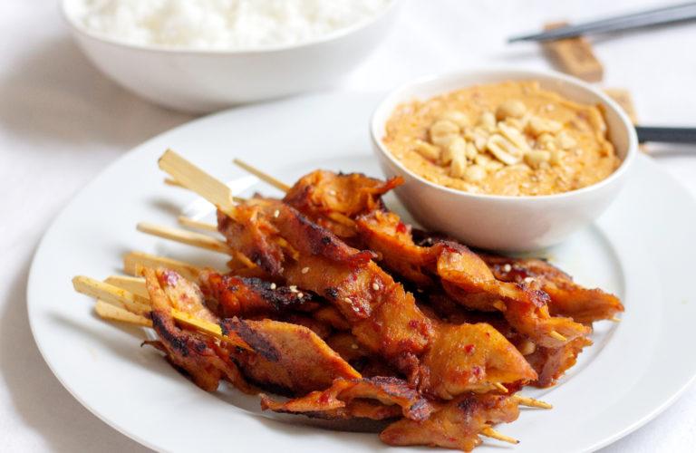 Vegane Satay-Spiessli mit Erdnusssauce